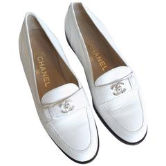 Classic 1996 Chanel Bianco Leather Interlocking CC Logo Loafers