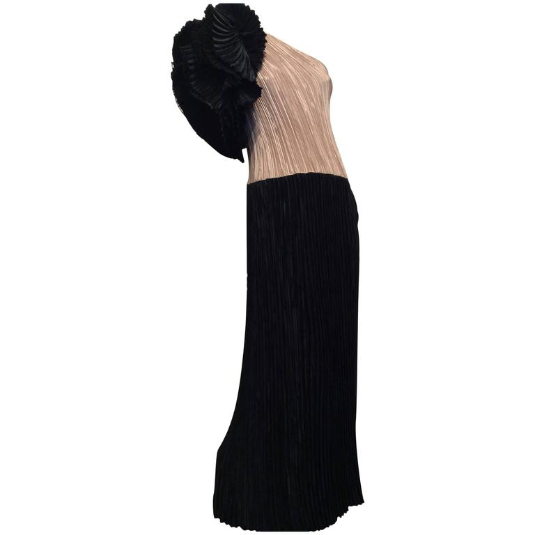 Mary McFadden Black and Gold Pleated One-Shoulder Flounce Vintage Gown 1