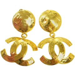 Chanel Vintage Gold Hammered Large Charm Statement Dangle Drop Evening Earrings