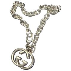Gucci Chain Link Silver Bracelet With Logo Charm