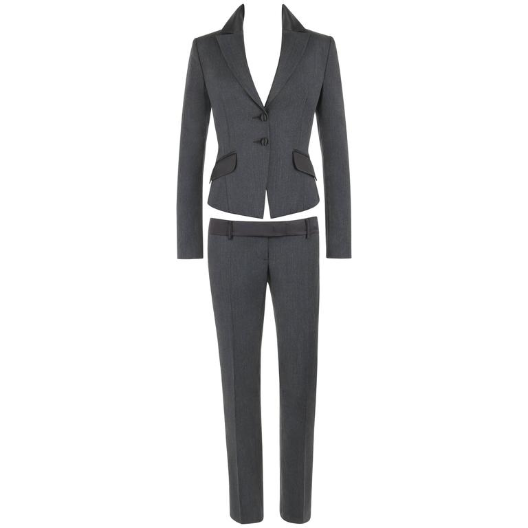 """ALEXANDER McQUEEN S/S 2001 """"Voss"""" 2 Pc """"Bumster"""" Charcoal Gray Blazer Pants Suit For Sale"""