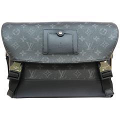 Louis Vuitton Monogram Eclipse Messenger MM Voyage Messenger Bag