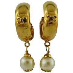 Chanel Vintage Spring 1993 Gold Toned Hoop Pearl Earrings