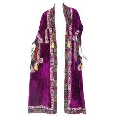 1970S Purple Velvet Antique Ethnic Embroidered Cape With Ikat Trim