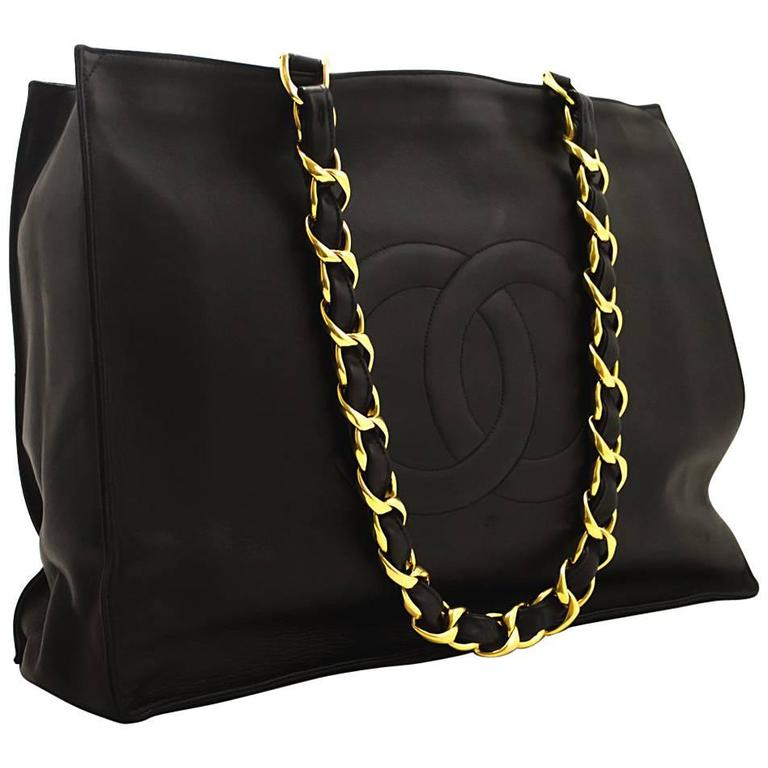 CHANEL Jumbo Large Big Chain Shoulder Bag Black Lambskin Leather  For Sale