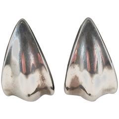 1990s Robert Lee Morris Sterling Silver Modernist Crescent Clip on Earrings
