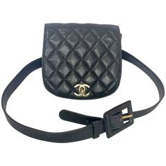 Vintage CHANEL black leather waist purse, fanny bag with a matching belt and CC.