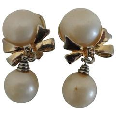 Gold Tone Faux White Pearls Bows Clip on Earrings