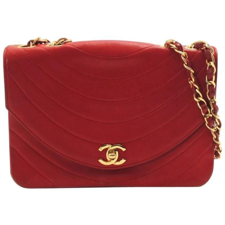 Vintage CHANEL unique oval U stitch red lamb leather classic 2.55 shoulder bag. For Sale