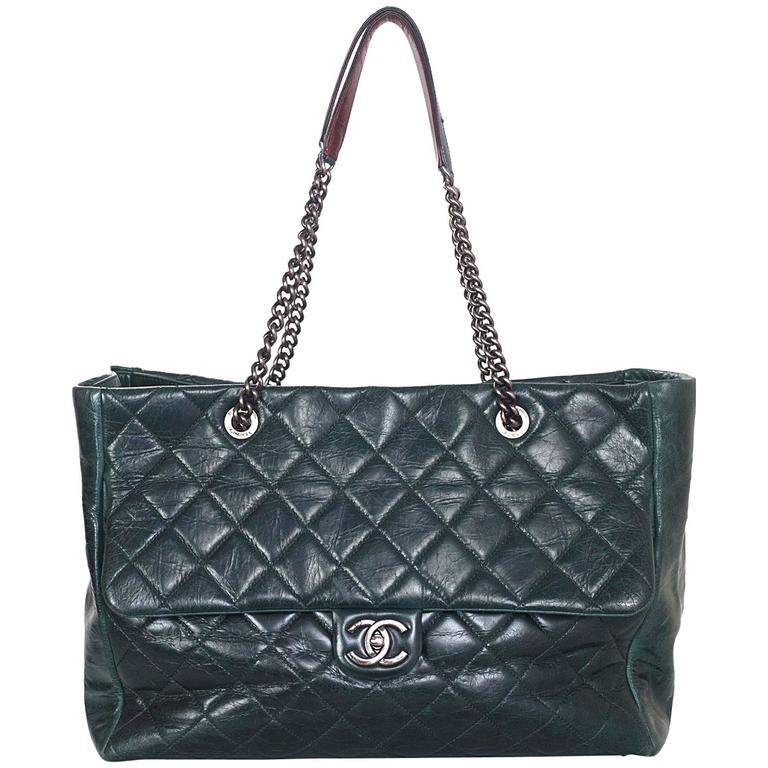Chanel Green Distressed Leather Quilted CC Tote Bag For Sale