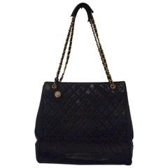 1980s Chanel black leather Shoulder Bag