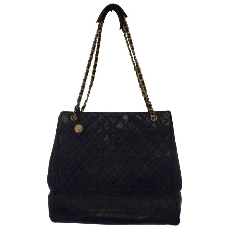 1980s Chanel black leather Shoulder Bag For Sale