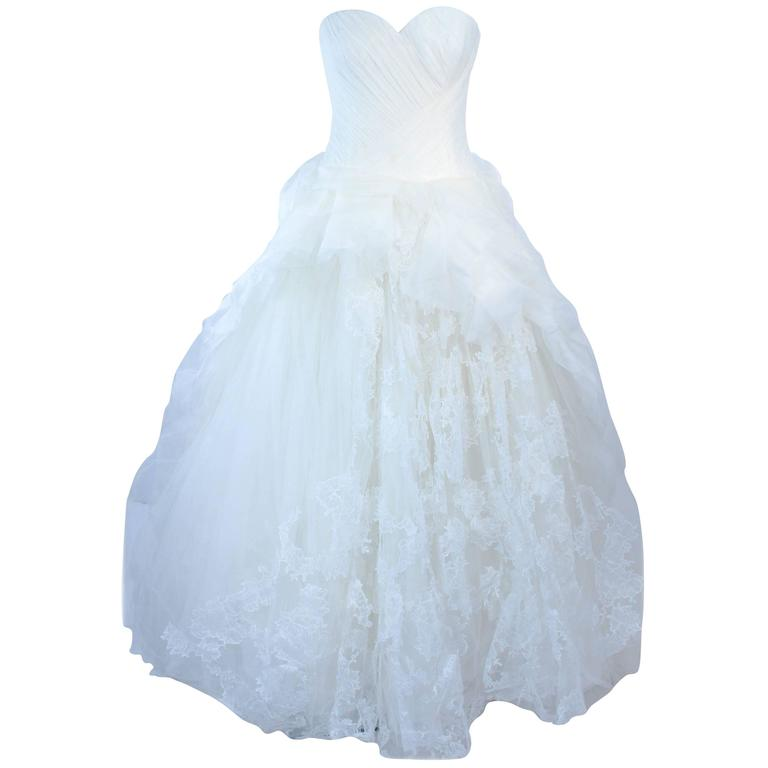 VERA WANG White Tulle and Lace Wedding Gown With Gathered Bustier ...