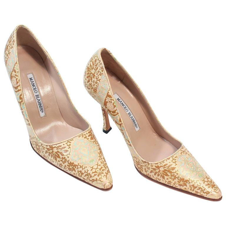 MANOLO BLAHNIK Gold Leather Brocade Heels Size 35.5 For Sale at ...