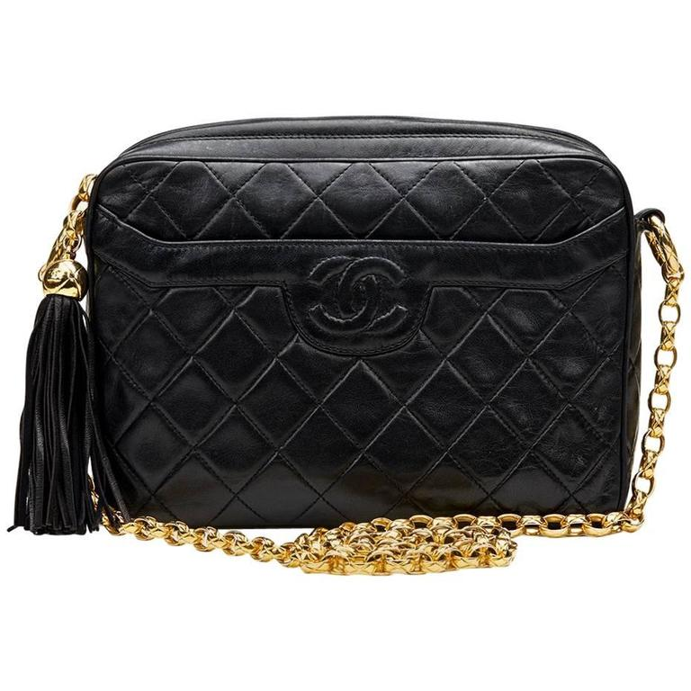 3933f05f7917 1990s Chanel Black Quilted Lambskin Vintage Camera Bag at 1stdibs