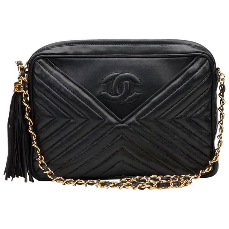 598a35de821d 1980s Chanel Black Chevron Quilted Lambskin Vintage Camera Bag For Sale