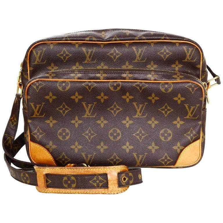 Louis Vuitton Monogram Nil Messenger Camera Bag For Sale