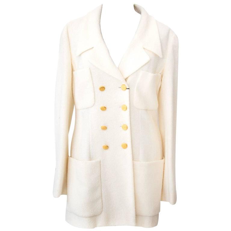 Chanel Beige Woolen Blazer - Size: 38 For Sale
