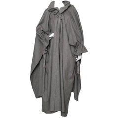 Grey Per Spook Ruffled Wool Cape