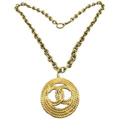 "Vintage Chanel Gold Toned Plated Metal Round Rope ""CC"" Pendant Necklace"