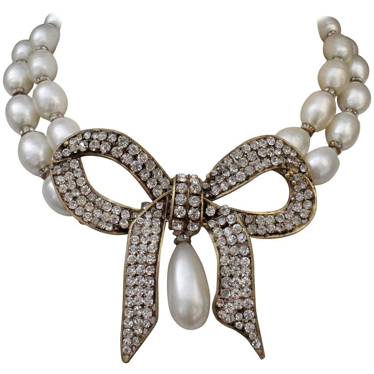 1970s Chanel Faux Pearls Necklace with Crystals Bow 1
