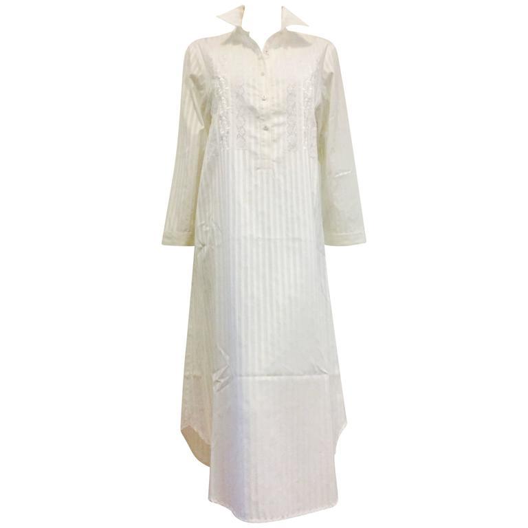 Outstanding Oscar de la Renta Beach Cover Up in White on White Cotton