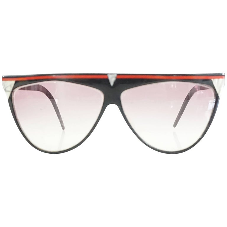 Laura Biagiotti Black Sunglasses with Red Detailing