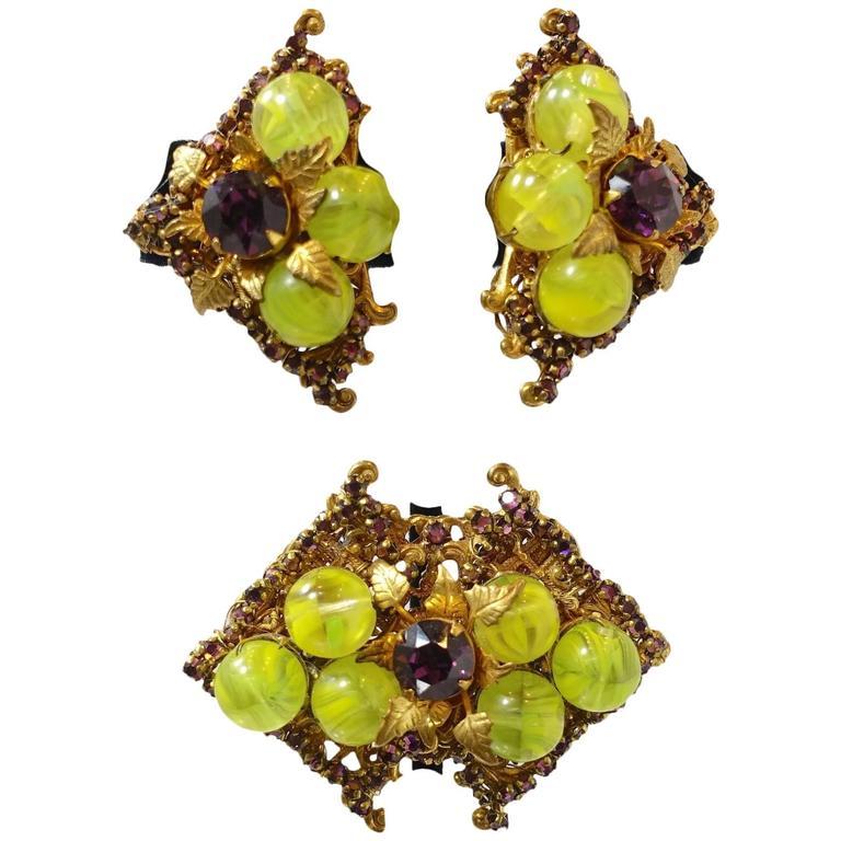 Vintage 1950s Miriam Haskell Glass Rhinestone Brooch & Earring Set For Sale