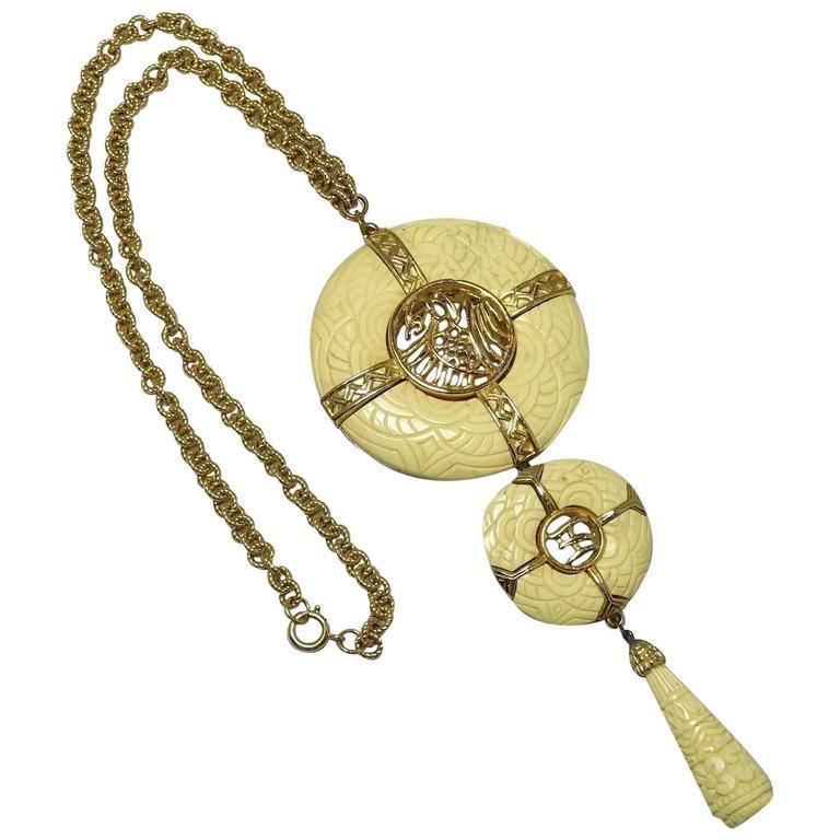 Hattie Carnegie 1960s Faux Ivory Oriental Theme Necklace 1