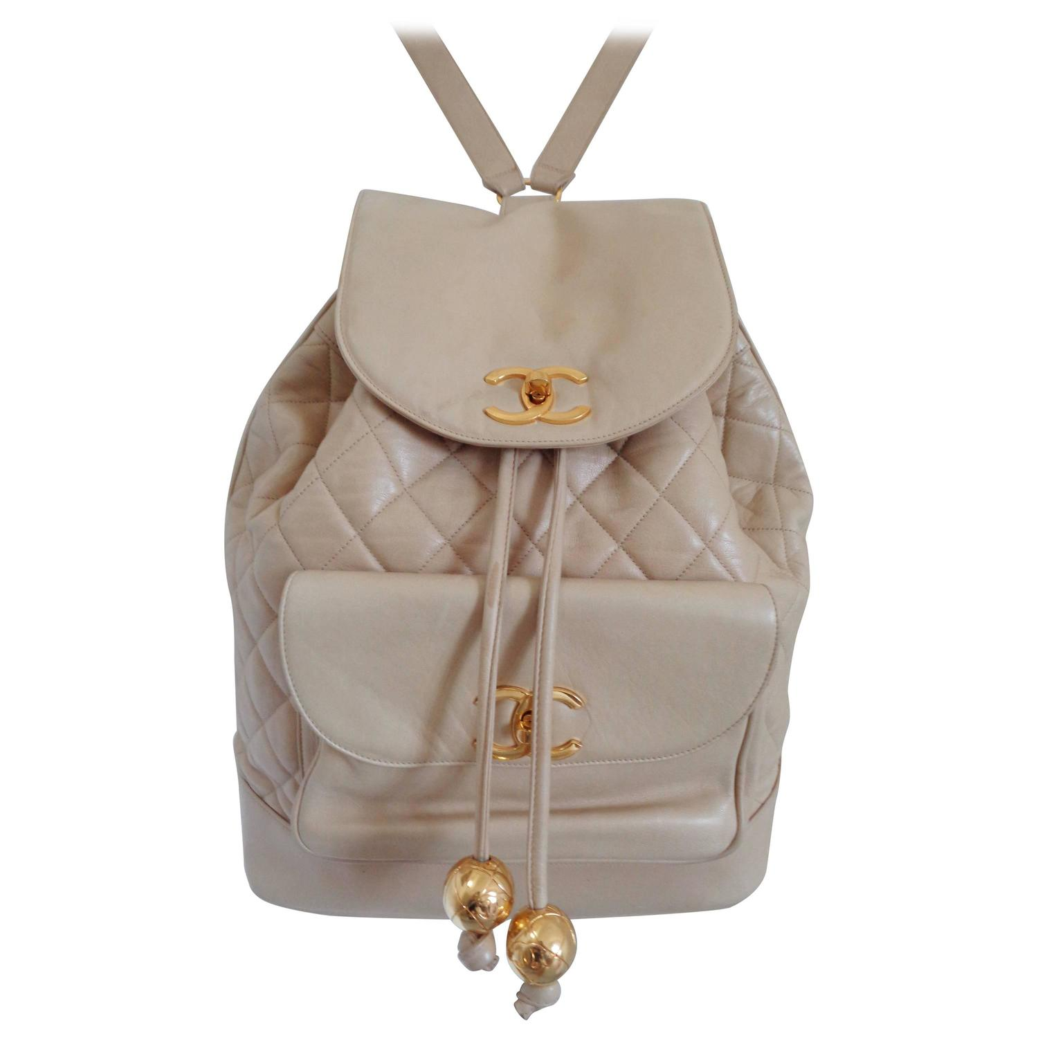 a06576c541c Chanel beije gold hardware Backpack For Sale at 1stdibs