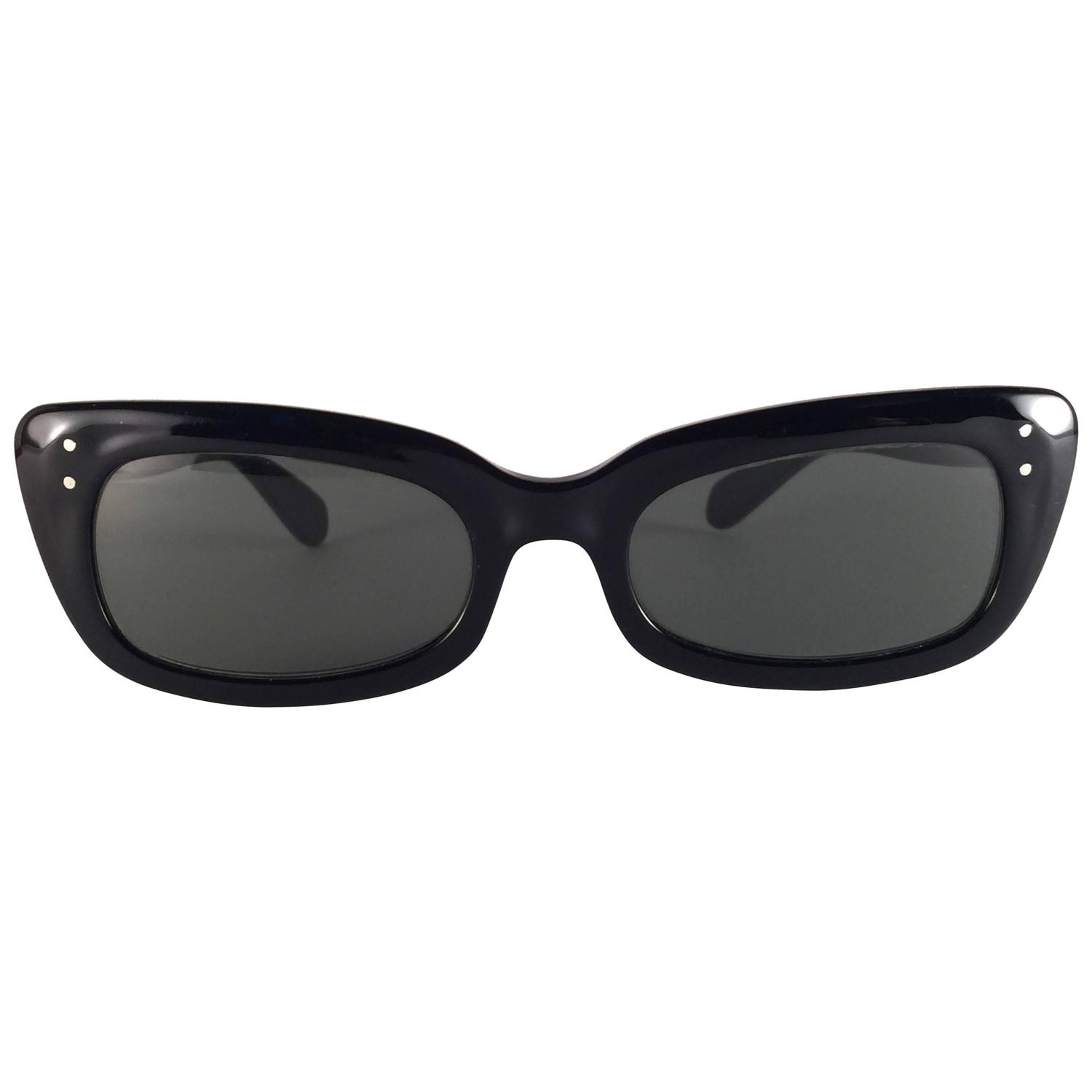 390bf85ba9 1960 Ray Ban Wayfarer « One More Soul