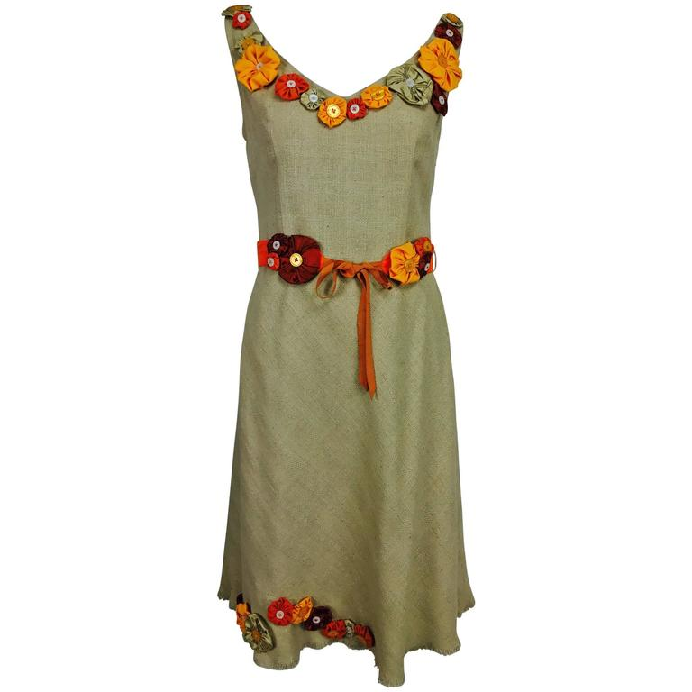 Moschino natural silk linen shift dress with floral appliques and ribbon belt  For Sale