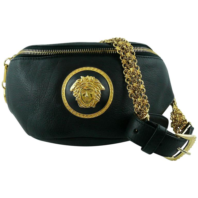 6d1e618f8447 Gianni Versace Vintage 1990s Black Leather Medusa Waist-Belt Bag For Sale