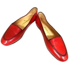 Vintage CHANEL lipstick red calfskin leather flat pump shoes with black stitches