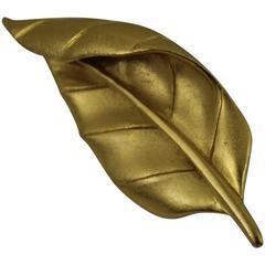 Awesome Carven Leaf Glod Plated Brooch