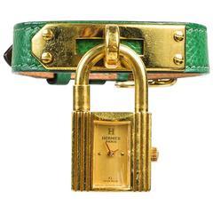"""Hermes Vintage Vert Clair Leather GHW """"Kelly PM"""" Watch"""