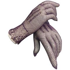 1930s Purple Cotton Crochet Gloves w Nice Details