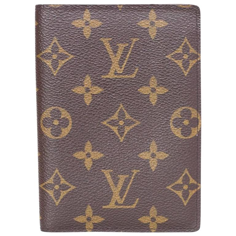 abff20362b12 Louis Vuitton Monogram Passport Holder For Sale at 1stdibs