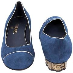 CHANEL Ballerinas Size 38FR in Blue Velvet Calfskin