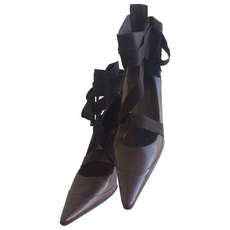 e13b731e632f Gucci Pointed Winklepicker Brown Leather Pumps with Ribbon