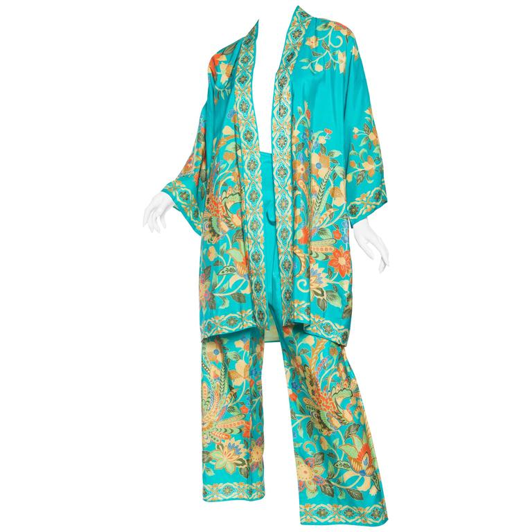 Beautiful 1960s Chinese Silk Pjamas and Kimono