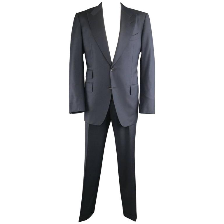 Men's TOM FORD 44 Long Navy Solid Wool Peak Lapel 2 Button 38 34 Suit For Sale