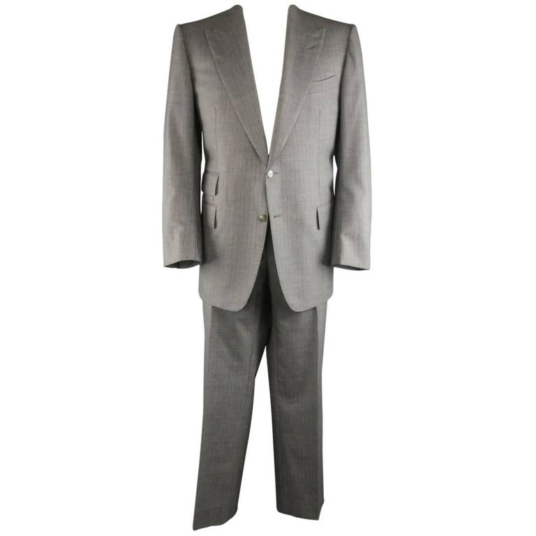 Men's TOM FORD Suit 48R Grey Herringbone Wool 2 Button - Retail: $5,460.00