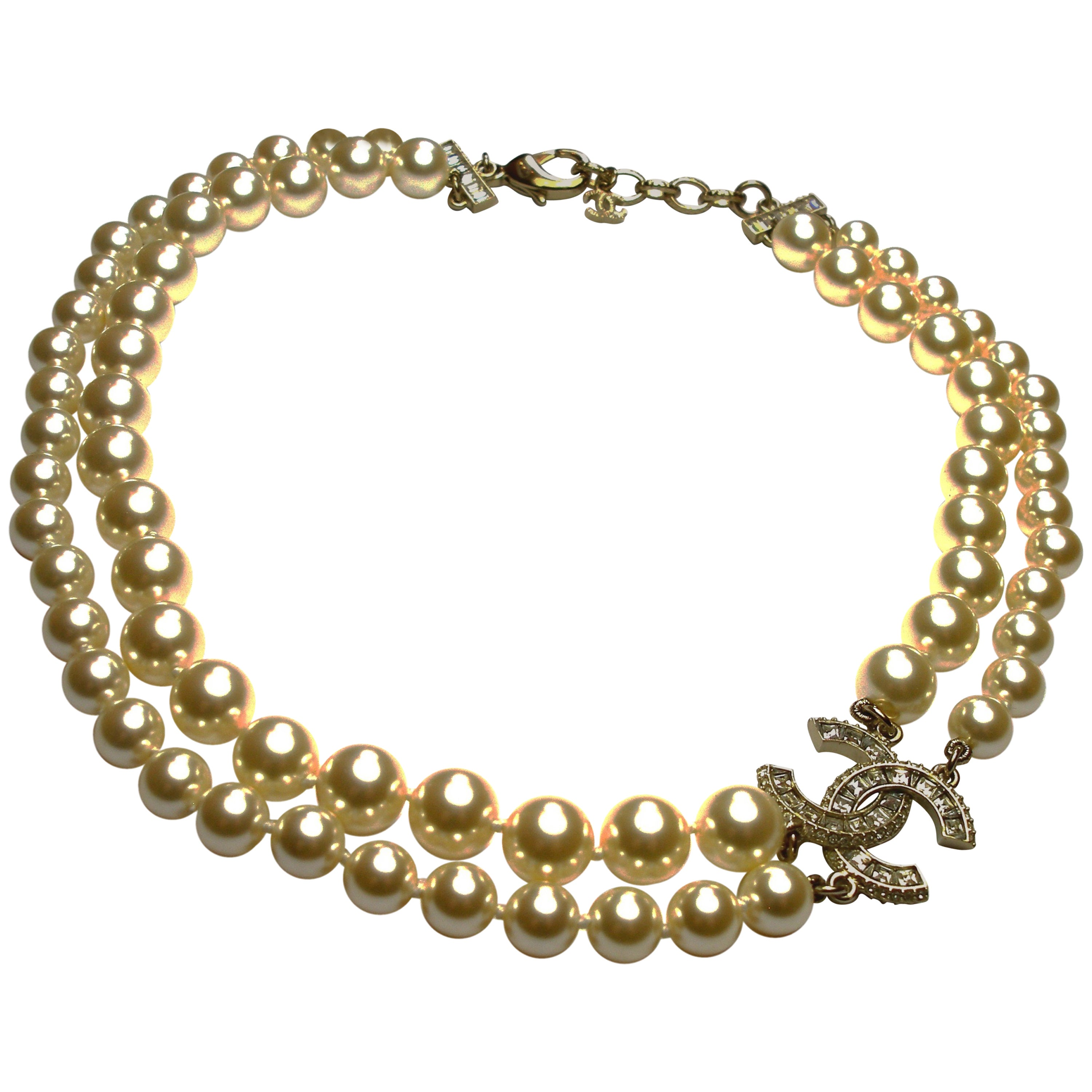 36cca24d522e6 Chanel 2016 Double Strand Gold CC Créme Pearl Necklace For Sale at 1stdibs