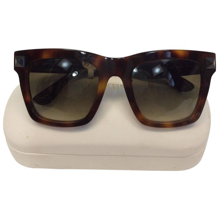 1c41b447530 Valentino Tortoise Rockstud Square Sunglasses For Sale at 1stdibs