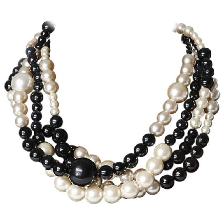 Chanel Black and White Pearls For Sale