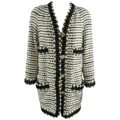 Chanel vintage 1980's Thick Tweed Ivory and Black CC logo Jacket