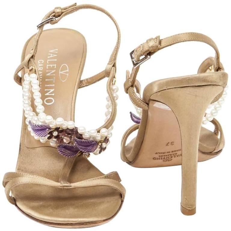 VALENTINO GARAVANI 37 High-Heeled Sandals in Golden Beige Silk and Glass Pearls