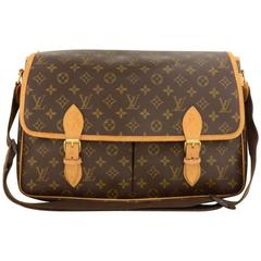 Louis Vuitton Sac Gibeciere GM Monogram Canvas Large Messenger Bag