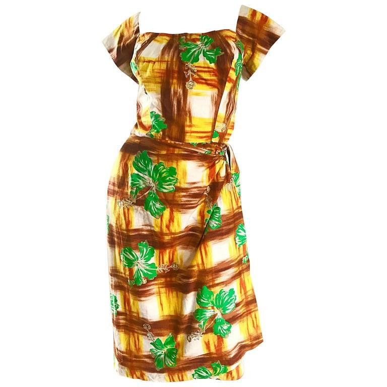 1950s Kamehameha Hawaiian Beautiful Hand Painted Vintage 50s Cotton Wrap Dress For Sale